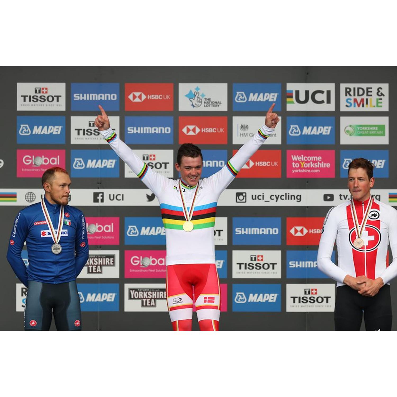 #198 Prekvapivý Pedersen, 100-kilometrové sólo van Vleuten a video šachy UCI