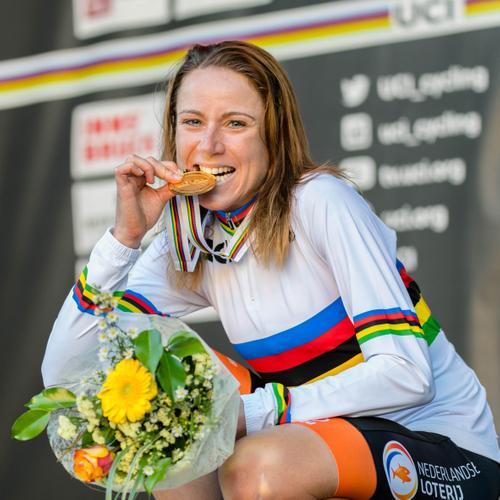 #239 Majsterka sveta Annemiek Van Vleuten: Nebojím sa pretekať, ale musíme byť opatrní