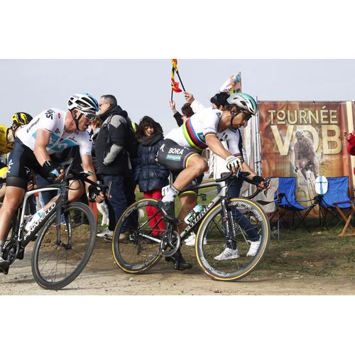 #68 Sagan sa radoval cez Vivianiho slzy, ladí formu na Ronde