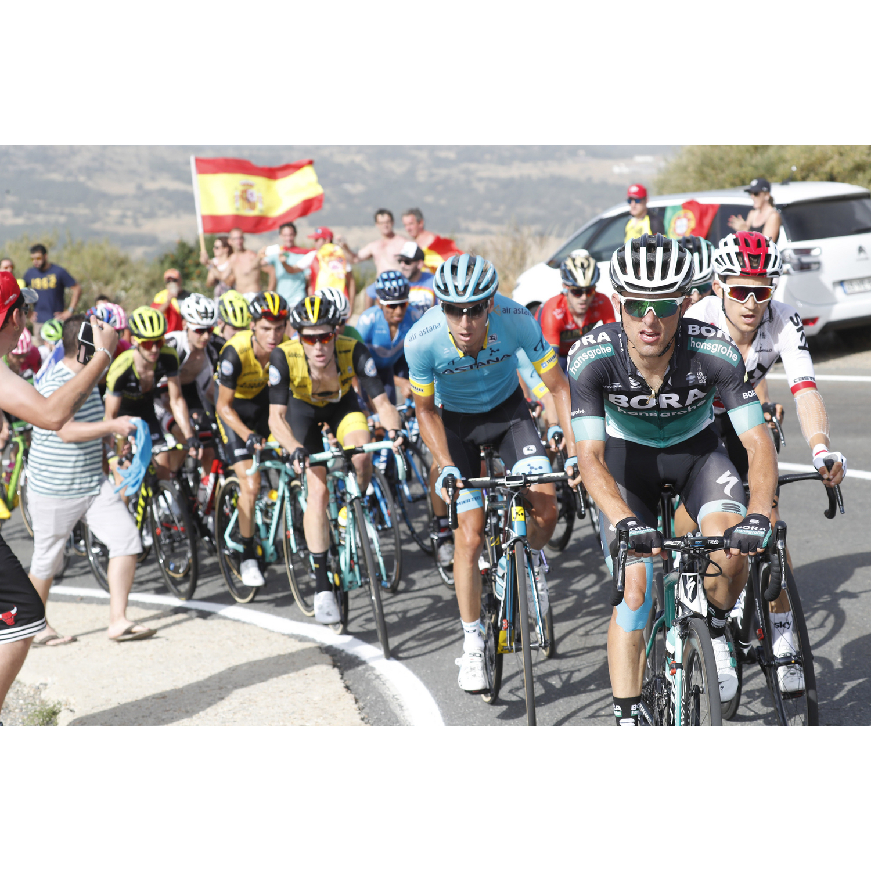 #130 VUELTA ŠPECIÁL: Sagan v tieni QuickStepu, v kopcoch je na ťahu Movistar